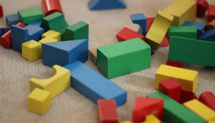 Родительские заботы: как вовлечь ребенка в уборку по дому