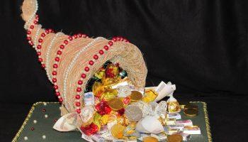 Подарить сладость: идеи презентов из конфет для ребенка и взрослого