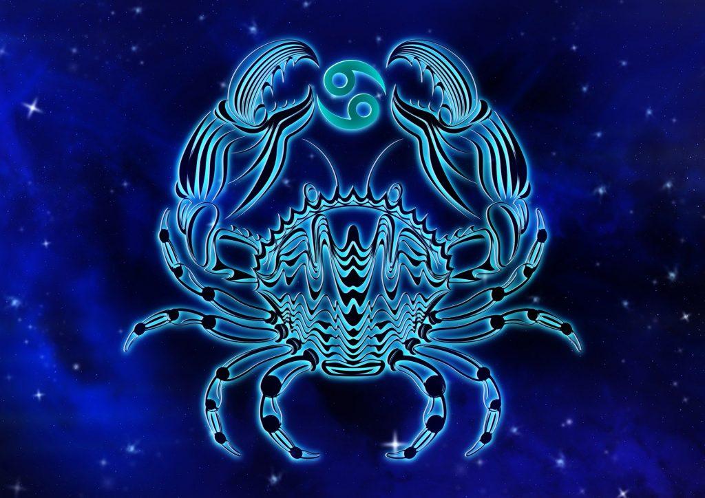 Персональный гороскоп на август 2020: что приготовили звезды Ракам