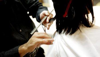 Салонный уход: 3 признака того, что вашим волосам нужна стрижка