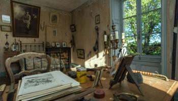 В тайной комнате: семья приобрела старинный дом и обнаружила в нем помещение, которое было закрыто 102 года