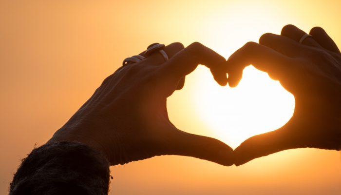 Романтическая жизнь: любовный гороскоп на август 2020 года для 12 знаков зодиака