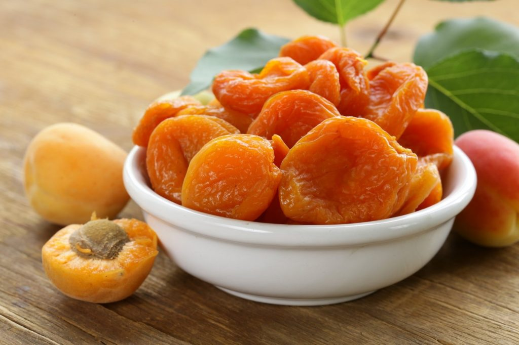 Высушенный абрикос: 2 способа сделать курагу в домашних условиях