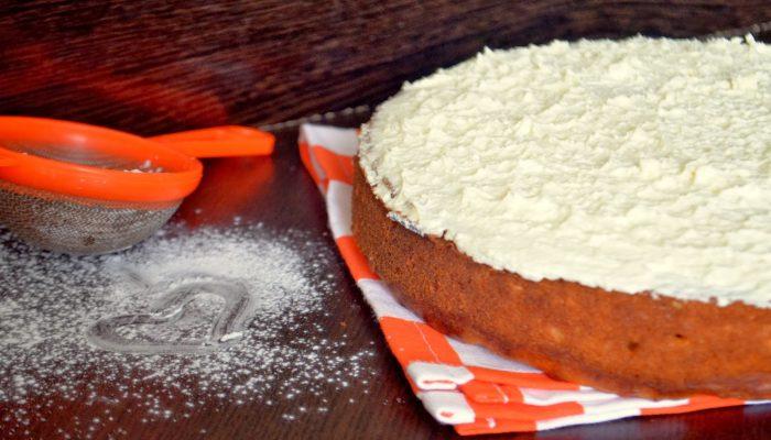 Бабушкин рецепт: вкусный пирог из яблок и моркови