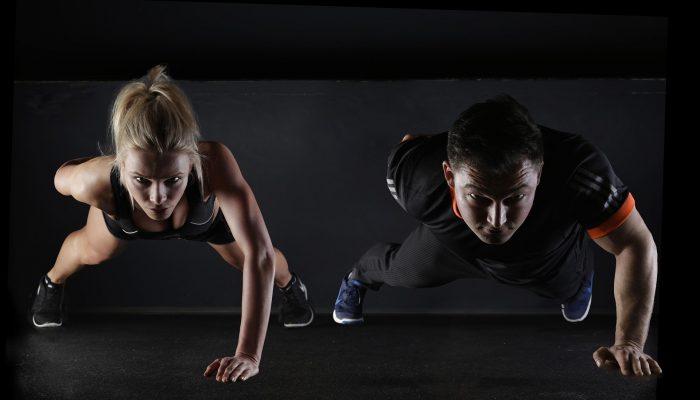 Тренажерный зал не нужен: 3 домашних упражнения для укрепления рук