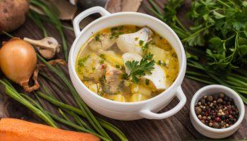 Юрма: рецепт необычного супа с рыбой и курицей