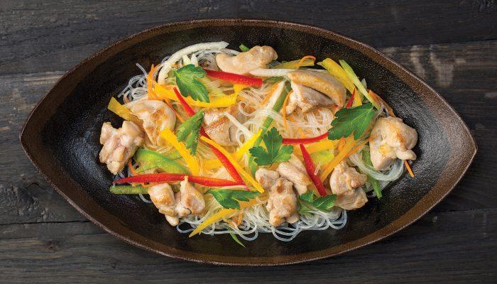 Пп ужин: рецепт тушеной курицы с перцем и фунчозой
