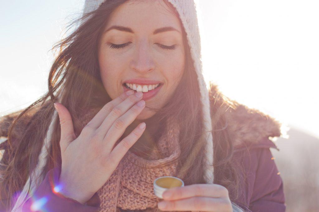 Причины сухих губ: как можно помочь себе