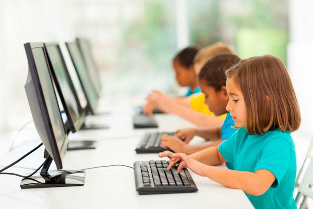 Правила онлайн-общения, которые необходимо знать детям