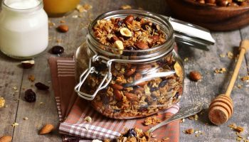 Укрепляем иммунитет в сезон простуд: витамины в домашних условиях